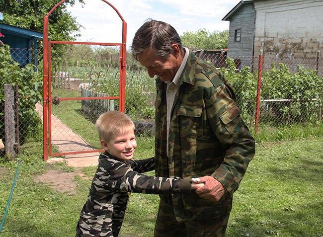 Алексей Куликов и внук Захар